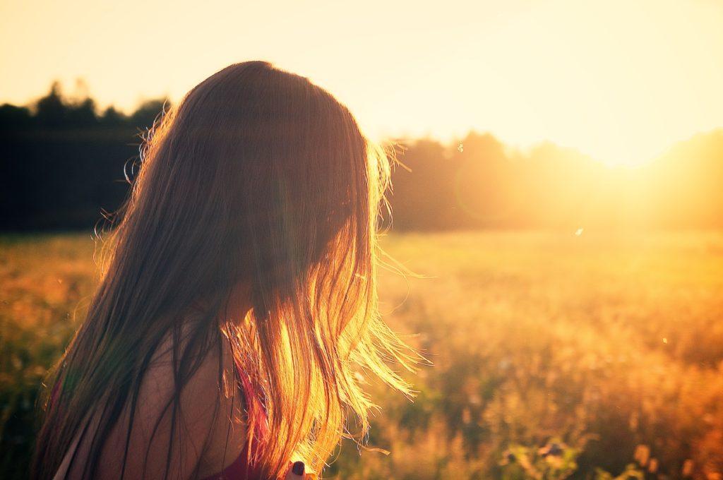 Como prevenir o câncer de pele? Evite contato direto com o sol