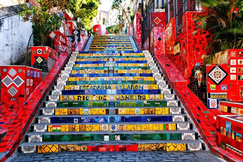 Escadaria Selarón, um dos pontos turísticos mais legais do Rio