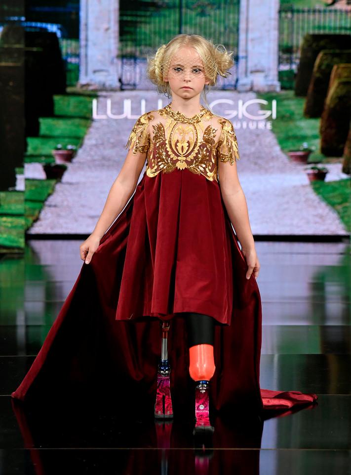 A modelo de 9 anos fez história nos desfiles das grifes