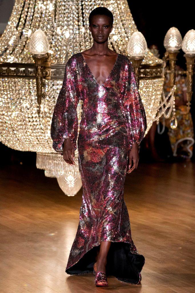 Halpern em um dos melhores desfiles da London Fashion Week