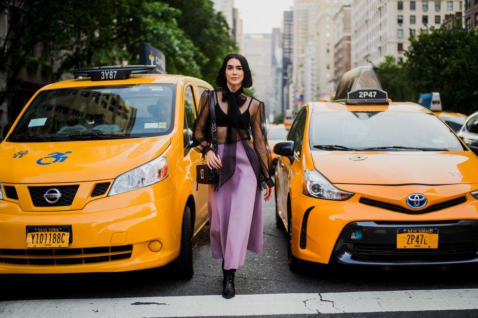 As fashionistas adoram brincar com a transparência durante os desfiles