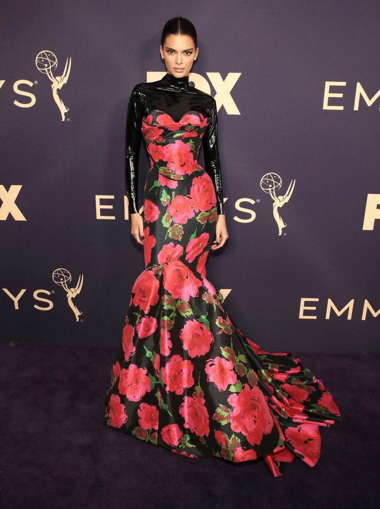 Kendall Jenner marcou presença no Emmy 2019