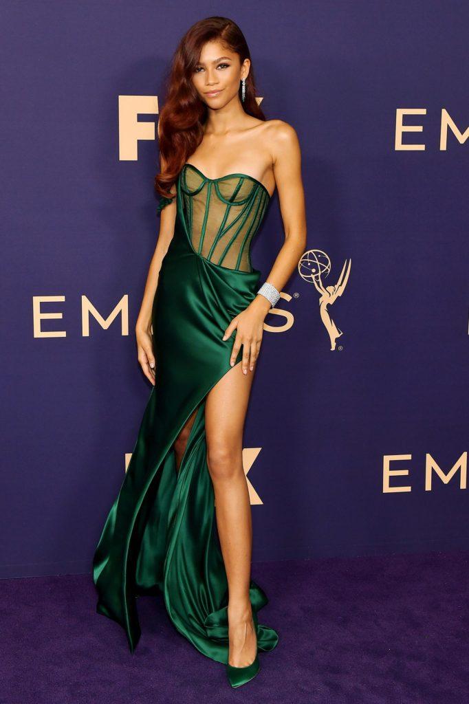 A atriz Zendaya foi eleita mais bem vestida da premiação
