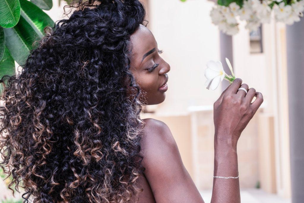 Modelos precisam manter o cuidado com o cabelo
